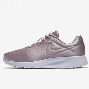NIKE TANJUN Purple Pink Metallic Chic Sneakers 6